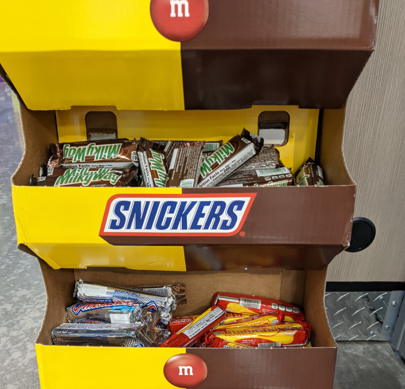 Snickers Bars As Low As $1.25 At Kroger (Plus Cheap M&M's Chocolates)